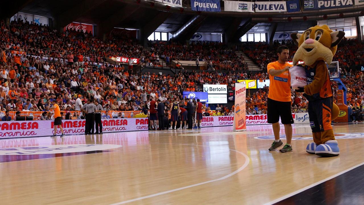 valenciabasket03.jpg