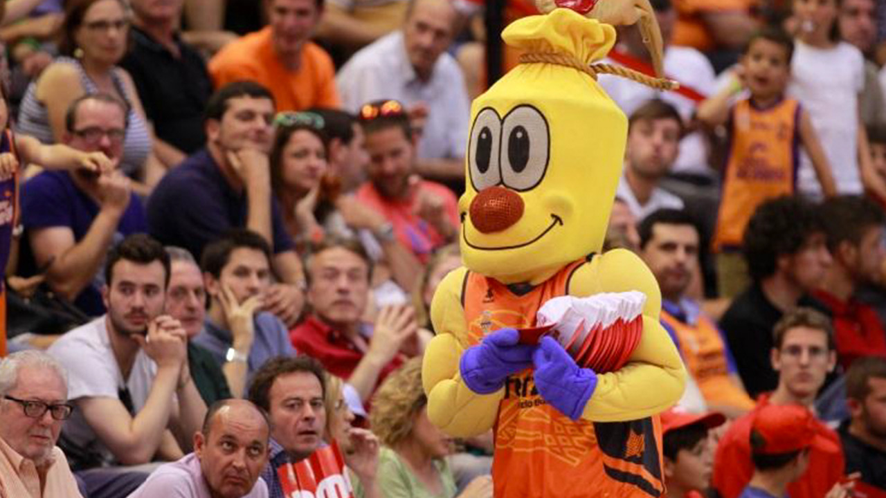 valenciabasket08.jpg